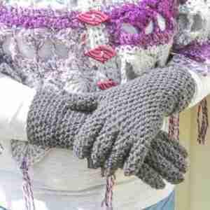 EasyFit Fingered Gloves Crochet Pattern