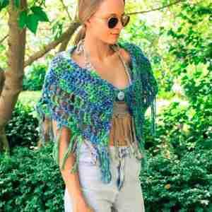 amelot Capelet Crochet Pattern - green front