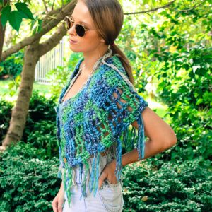 Camelot Capelet Crochet Pattern - green hip