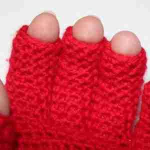 EasyFit FingerTip Gloves Crochet Pattern - tips of fingers