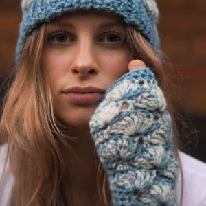 Shell B Mine Mitts - beautifully stylish and perfect for gifts or yourself - blue & white