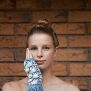 Shell B Mine Mitts - beautifully stylish and perfect for gifts or yourself - blue & white - 4a