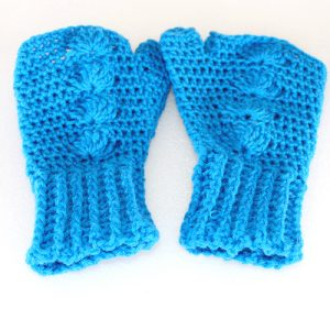 Blue Shells Mitts Crochet Pattern - Flat sq