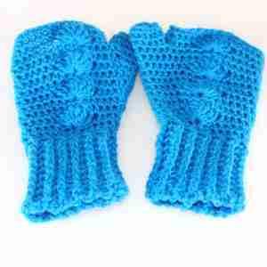 Blue Shells Mitts Crochet Pattern - Flat sq