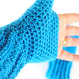 Blue Shells Mitts Crochet Pattern - Inside of hand - modeled