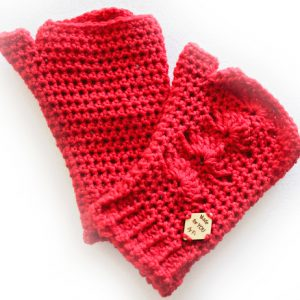 Shells Mitts Crochet Pattern - in Red