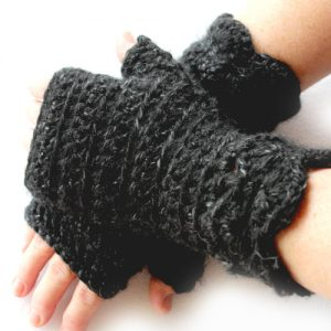 Nessa's Choice Mitts in Black Canyon Lion Brand Heartland Thick & Quick - crossed hands 2