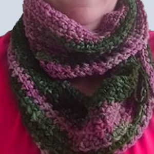 Linky-Loo Cowl Crochet Pattern by ReVe Design Co - on model up close