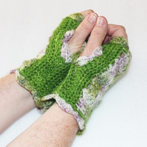 Floral Kiss Mitts - Green and mixed - thumbs up